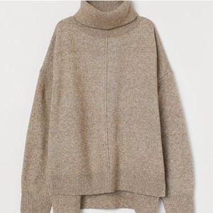 H&M Oversized Turtleneck Sweater Tan Size M